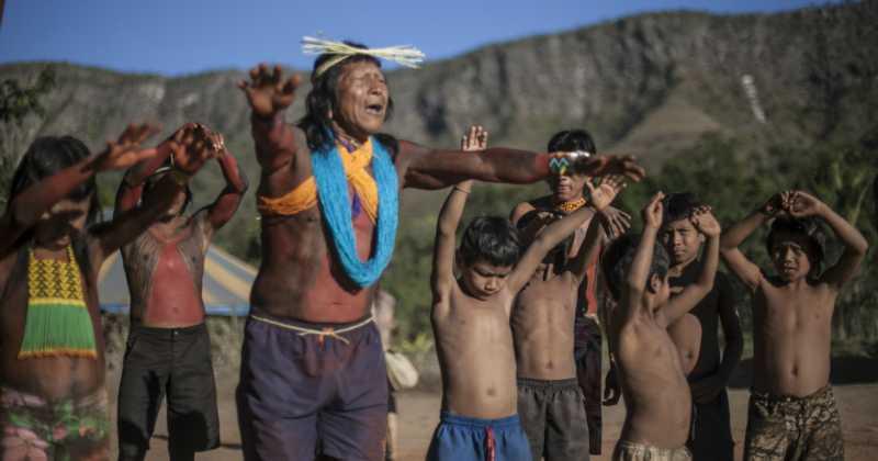Indigens y medio ambiente